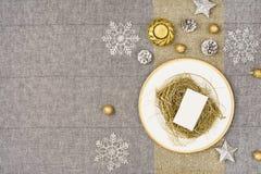De bovenkantmening van de Kerstmislijst De textuurachtergrond van het linnentafelkleed Royalty-vrije Stock Fotografie