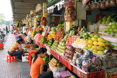 De Boxen van het fruit bij Markt Royalty-vrije Stock Fotografie
