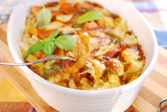 De braadpan van de kerriekip met bloemkool en aardappel Royalty-vrije Stock Foto
