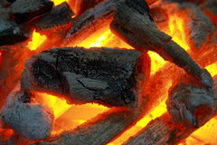 De Brand van de houtskool stock afbeeldingen