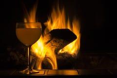 De Brand van het wijnglas stock afbeelding
