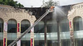 De brand vernietigde het gebouw rond het royalty-vrije stock fotografie