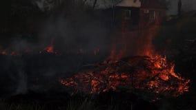De brand was stock videobeelden