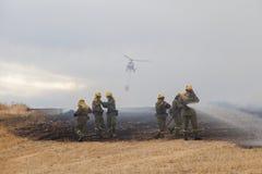 De Brandbestrijder Helicopter Dropping van de Spainsh zoals-355N Civiele Bescherming royalty-vrije stock afbeeldingen