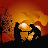 De brandbestrijders doven een brand Stock Afbeelding