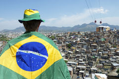 De Braziliaanse van de het Voetbalvlag van de Voetbalventilator Krottenwijk van Favela Royalty-vrije Stock Afbeelding