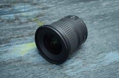 De brede lens van het hoekgezoem dslr Stock Foto's