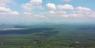De brede open horizon van het de lenteland Royalty-vrije Stock Afbeeldingen