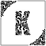 De brief K Decoratieve Doopvont met wervelingen en bloemenelementen Uitstekende stijl vector illustratie
