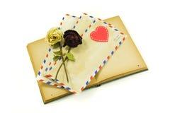 De brieven en de liefde van het boek Stock Foto's