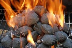 De briketten van de de houtskoolbarbecue van de close-up Stock Afbeelding