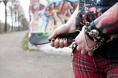 De broeken en de toebehorenschedel van de punk rockstijl Stock Afbeelding
