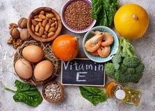 De bronnen van het assortimentsvoedsel van vitamine E royalty-vrije stock fotografie