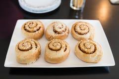 De Broodjes van de kaneel Stock Afbeeldingen
