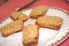 De Broodjes van de lente met Sesam Stock Afbeeldingen