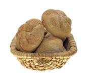 De Broodjes van de Tarwe van Bulkie van de mand Stock Afbeelding