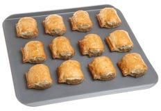 De Broodjes van de worst op het Dienblad van het Baksel Royalty-vrije Stock Fotografie