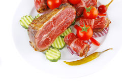 De broodjes van het vlees en brok op wit Stock Afbeelding