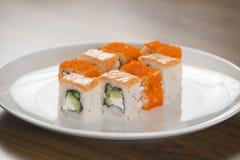 De broodjes van Philadelphia en van Californië Japans voedsel Stock Afbeeldingen