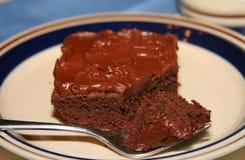 De brownie van de chocolade op een plaat Stock Foto's