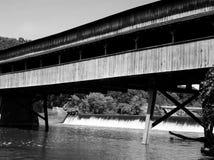De brug beëindigt nooit stock foto's