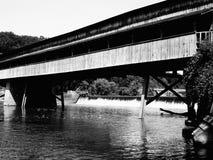De brug beëindigt nooit royalty-vrije stock afbeeldingen