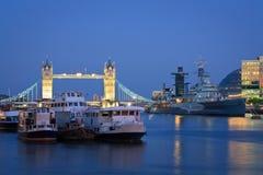 De Brug en HMS Belfast, Londen van de toren Royalty-vrije Stock Afbeeldingen