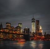 De Brug en Manhattan van Brooklyn bij zonsondergang royalty-vrije stock afbeeldingen