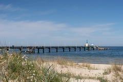 De brug en de onderzeeër van Pier Vineta in Zinnowitz Usedom royalty-vrije stock afbeelding