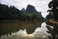 De brug in het xingping Stock Afbeelding