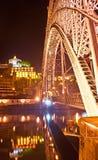 De brug in lichten Stock Afbeelding