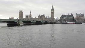 De brug Londen van Westminster stock videobeelden