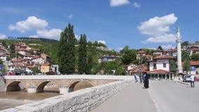 De brug Miljacka van Sarajevo stock footage