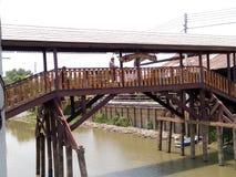De brug Oude markt nakornneungkhet Stock Foto