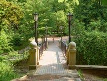 De brug over de rivier Royalty-vrije Stock Afbeeldingen