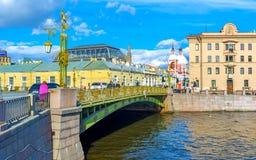 De brug over Fontanka-Rivier in St. Petersburg Stock Afbeelding