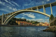 De brug van Arrabida Genomen uit Vila Nova de Gaia, Porto, Portugal Stock Foto