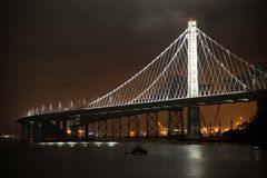 De brug van de baai in San Francisco stock afbeelding