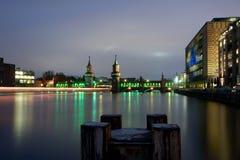 De brug van Berlijn oberbaumbruecke stock afbeeldingen