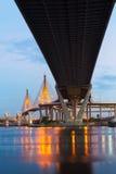 De brug van Bhumibol in Bangkok royalty-vrije stock fotografie