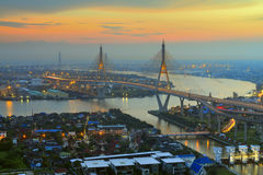 De Brug van Bhumibol, Bangkok, Thailand stock foto