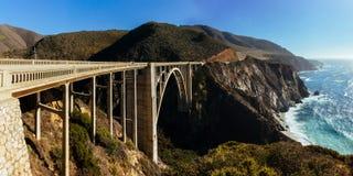De Brug van Bixby - Groot Sur - Californië Stock Afbeeldingen