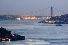 De brug van Bosphorus, Istanboel-Turkije Stock Foto