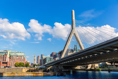 De brug van Boston Zakim in Bunkerheuvel Massachusetts Royalty-vrije Stock Foto's