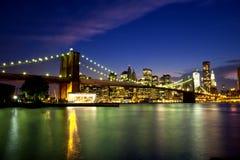 De Brug van Brooklyn bij Nacht. Royalty-vrije Stock Foto