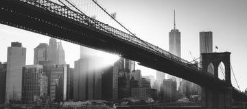 De Brug van Brooklyn bij Zonsondergang stock foto's