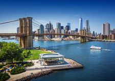 De Brug van Brooklyn in de Stad van New York - luchtmening Stock Foto
