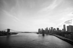 De Brug van Brooklyn verbindt Brooklyn en Manhattan van de binnenstad over Ea Royalty-vrije Stock Afbeeldingen
