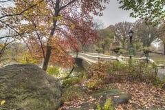 De brug van de boog Royalty-vrije Stock Afbeeldingen