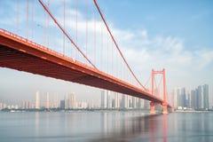 De brug van de de ondiepte yangtze rivier van de Wuhanpapegaai royalty-vrije stock afbeelding